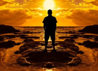 Crescere ed evolversi nella vita di oggi è possibile . L'uomo mpderno è chiamato ad una grande trasformazione attraverso il doloro che diviene forza cosmica evolutiva.